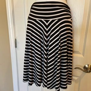 Super stretchy slip on George striped skirt small